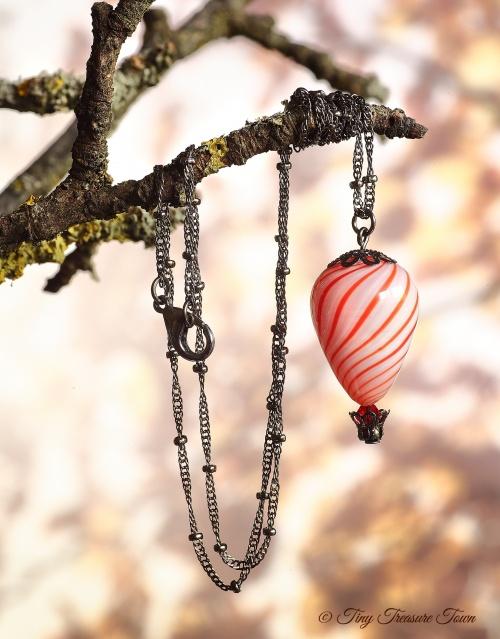 Heißluftballon Halskette Gunmetal Weiß Rot-31