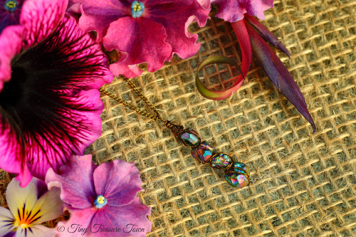 Seelenstein Halskette Pendant aus kleinen Quarzkristallen mit Regenbogenschimmer-31