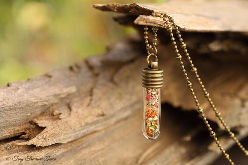 Magische Flöckchen Kette Metallisch bunt und bronzefarben Kleine Phiole-31