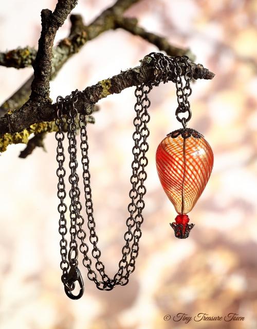 Heißluftballon Halskette Gunmetal Rot Transparent-31