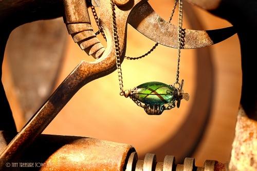 Luftschiff Halskette - Bronzefarben Blau Grün Schwarz