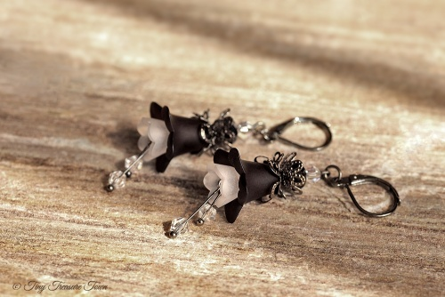 Feenblumen Ohrringe - Farben Gunmetal Schwarz Weiß
