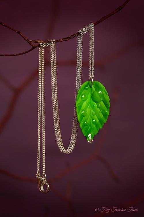"""Handgemachte """"Waldgeheimnis"""" Blatt Halskette - Lichtes Grün"""