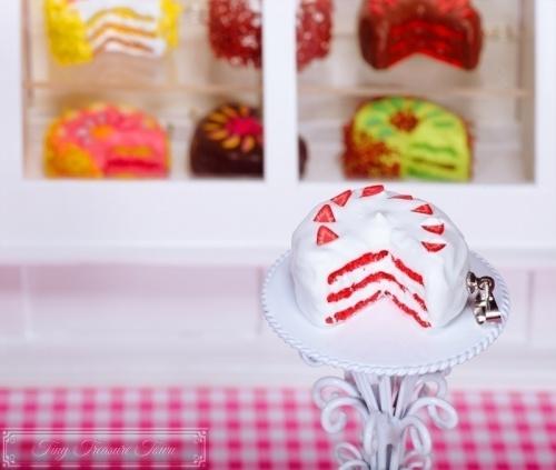 Fimo Torten Kette - Erdbeere Sahnecreme