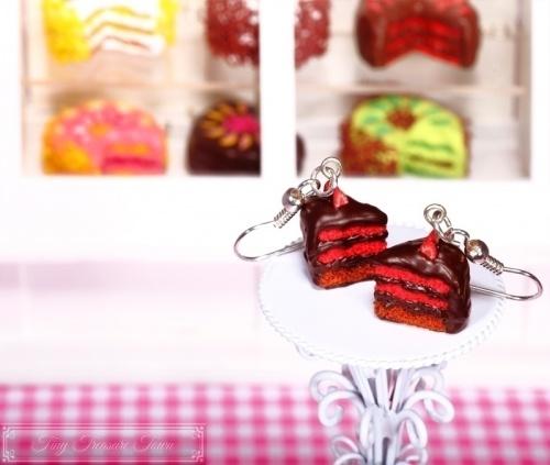 Fimo Torten Ohrringe - Erdbeere Schoko Zartbitterschokolade