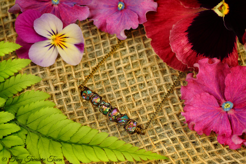 Seelenstein Halskette Kleine Quarzkristalle mit Regenbogenschimmer-31