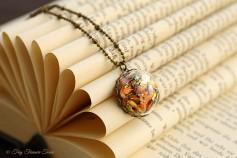 Magische Flöckchen Kette - Metallisch bunt und bronzefarben - Halbkugel