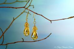 Feen Tautropfen Ohrringe - Goldfarben Honiggelb mit buntem Schimmer