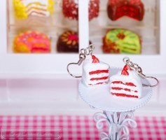 Fimo Torten Ohrringe - Erdbeere Sahnecreme
