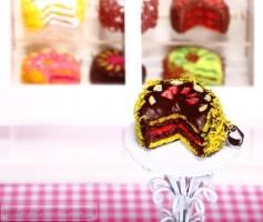 Fimo Torten Kette - Erdbeere Zitrone Zartbitterschokolade